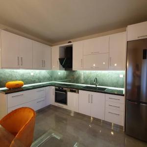 Κουζινα 25